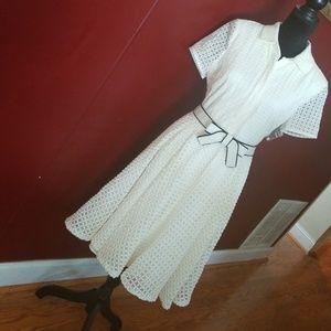 Gorgeous Badgley Mischka Eyelet Dress